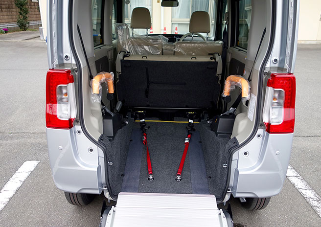 image showing importance of a wheelchair accessible vehicle for ALS patients